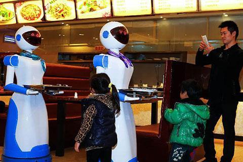 机器人餐厅难成大器 智慧餐饮才是主流